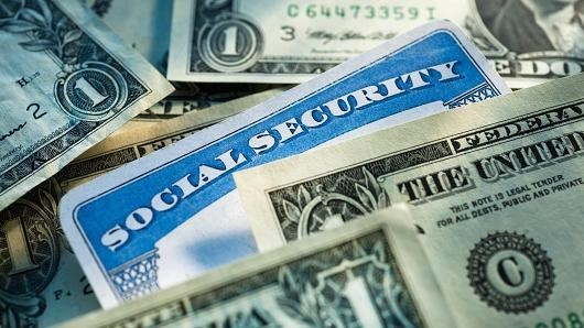 Social Security benefits, claiming strategies, maximize income, spouses, men, women, divorce, widow
